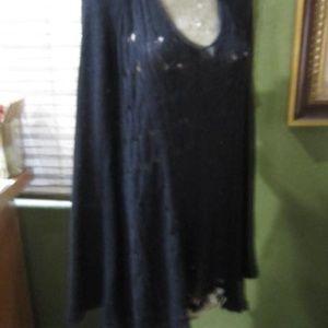 FREE PEOPLE!>BLACK!.LIGHT WEIGHT SWEATER DRESS!